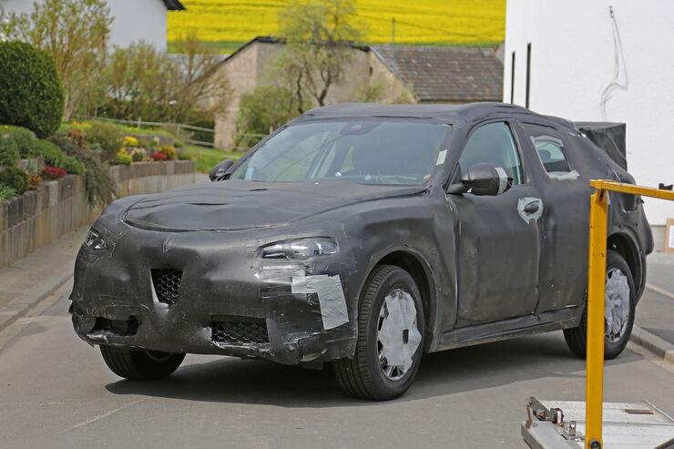 Alfa-Romeo-Stelvio-Erlkoenig-fotoshowBig-51f134a0-946891