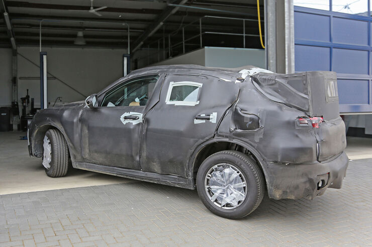 Alfa-Romeo-Stelvio-Erlkoenig-fotoshowBig-f49a54c9-946896