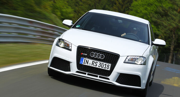 Audi RS 3 Sportback, Frontansicht, Kurvenfahrt