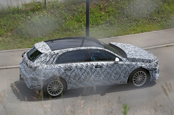 Erlkoenig-Mercedes-A-Klasse-fotoshowBig-8ff1275f-955391