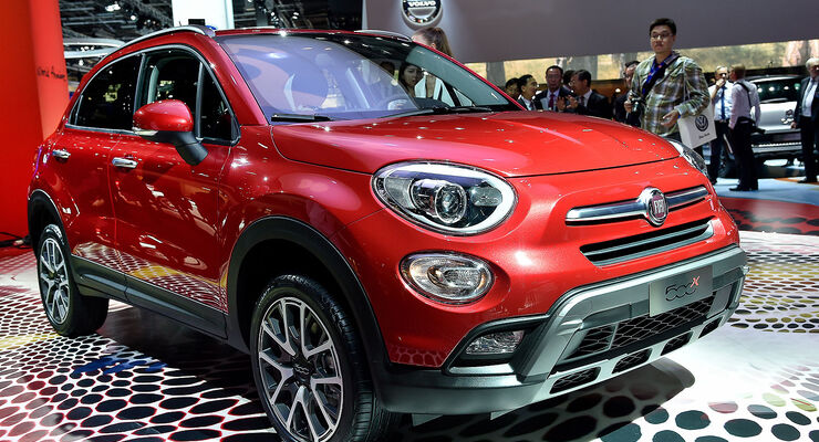 fiat 500x viagra spot zur weltpremiere auto motor und sport. Black Bedroom Furniture Sets. Home Design Ideas