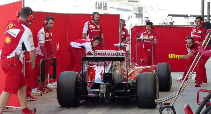 Kimi Räikkönen - Ferrari - Formel 1 - Test - Bahrain - 21. Februar 2014