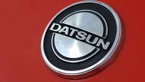 Kühlerfigur Datsun