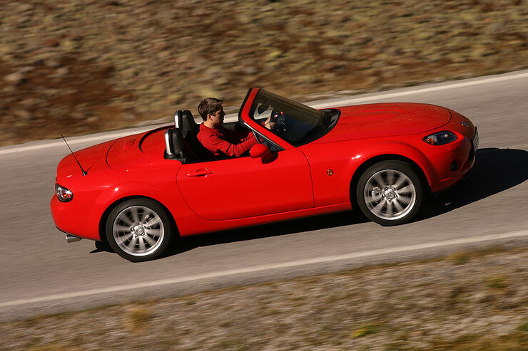 gebrauchtwagen mazda mx 5 im m ngelreport muster an zuverl ssigkeit auto motor und sport. Black Bedroom Furniture Sets. Home Design Ideas