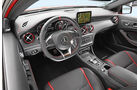 Mercedes-AMG A45 4Matic, Cockpit