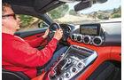 Mercedes AMG GT S, Cockpit