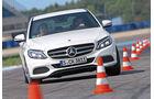 Mercedes C 250 d, Frontansicht, Slalom