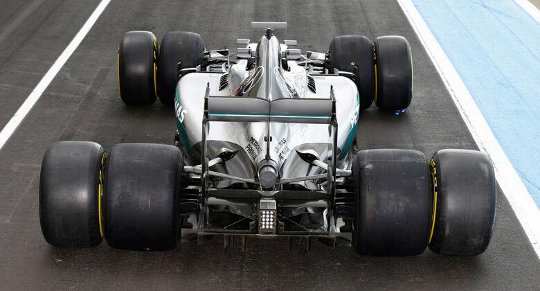 http://imgr1.auto-motor-und-sport.de/Mercedes-Pirelli-2017-Reifen-Test-Paul-Ricard-2016-rotationTeaserEntry-f2f9d2d4-973940.jpg