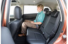 Mitsubishi Outlander 2.2 Di-D 4W, Rücksitz, Beinfreiheit