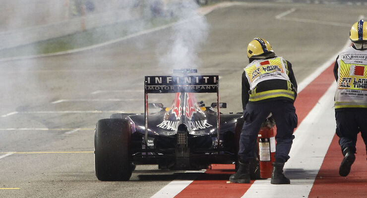 Motorschaden - Red Bull - Ricciardo - GP Bahrain 2015