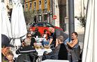 Opel Adam, Seitenansicht, Straßencafe