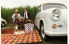 Picknick neben dem Trabant