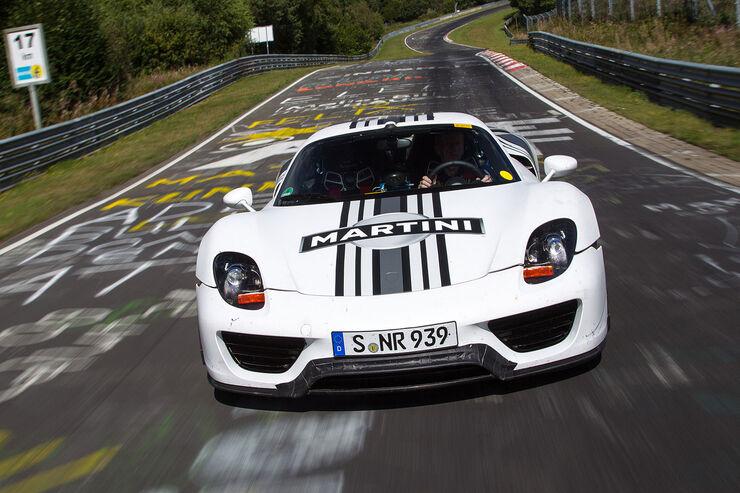 Porsche 918 Spyder-Prototyp auf der Nürburgring-Nordschleife, Martini Design