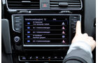 VW Golf VII, Innenraum, Infotainmentsystem, Verkehrsmeldungen