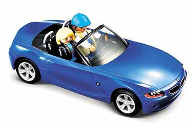 ... Playmobil zwei BMW Z4 auf die kleinen Gummiräder gestellt