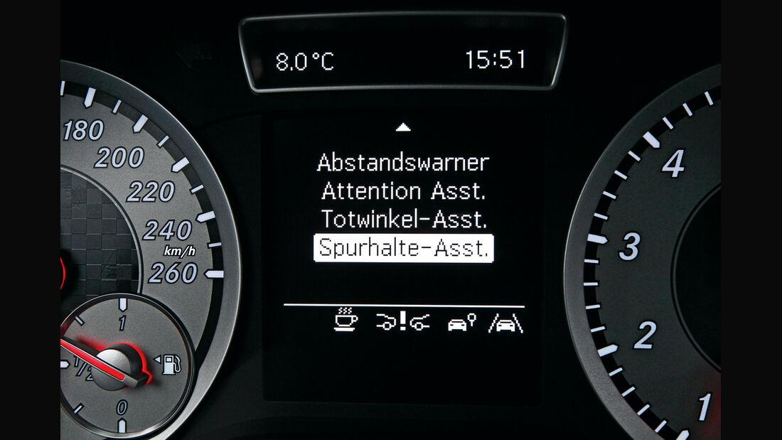 Mercedes A 200 AMG Sport, Spurhalte-Assistent