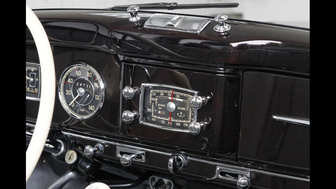 Mercedes Benz 170S, Armaturenbrett, Anzeigeinstrumente