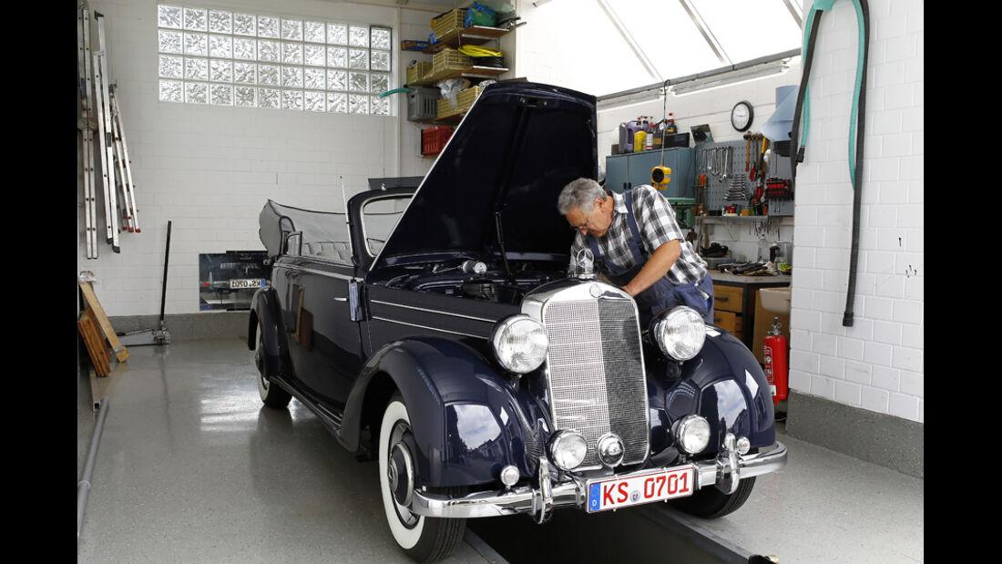 Mercedes Benz 170S, Motorhaube offen