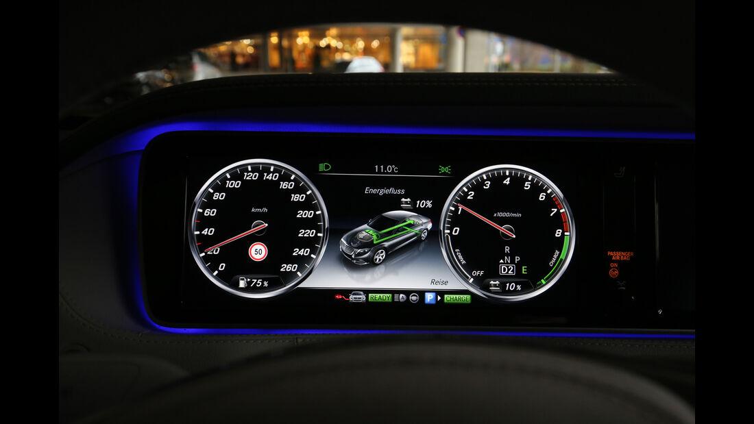 Mercedes S 500 e, Anzeigeinstrumente