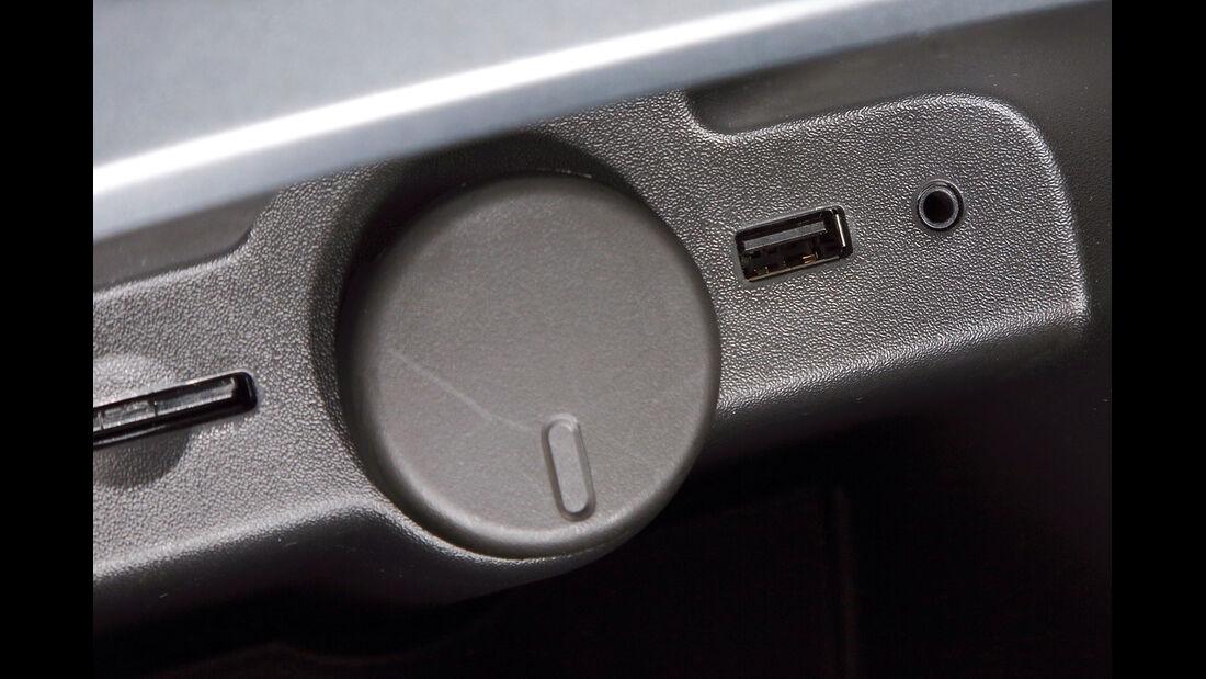 Opel Astra, USB, Aux-Anschluss