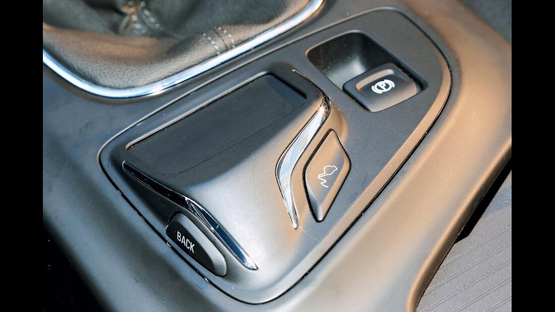 Opel Insignia, Infotainment