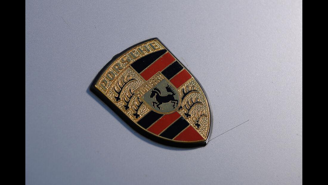 Porsche 911 S Targa, Emblem
