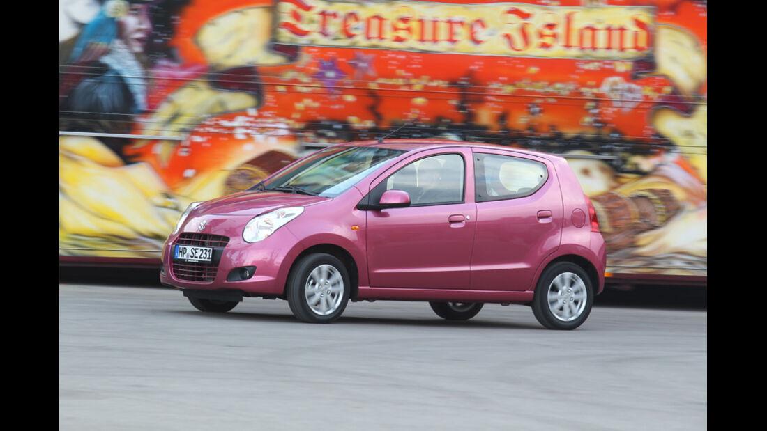 Suzuki Alto 1.0 Club, Seitenansicht, Fahrt