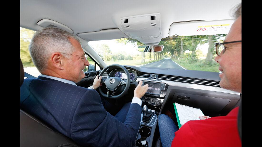 VW Passat, Cockpit, Dirk Gulde, Heinz-Jakob Neußer