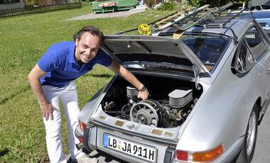 silberner Porsche 911 T