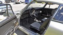 silberner Porsche 911 T Innenraum