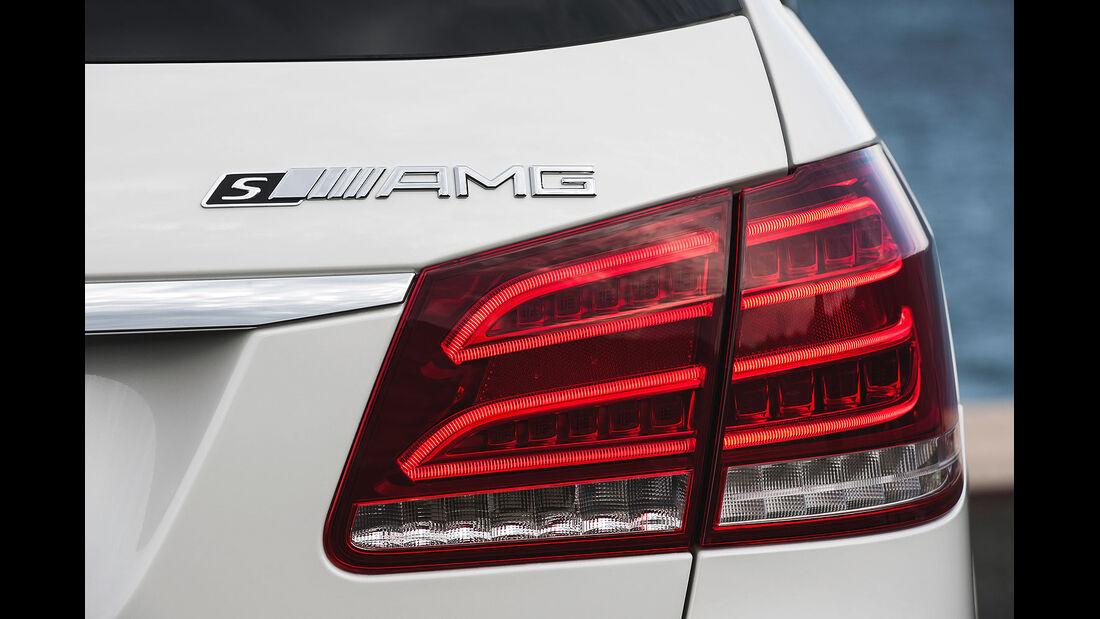 01/2013 Mercedes E-Klasse E 63 AMG T-Modell, Auspuff