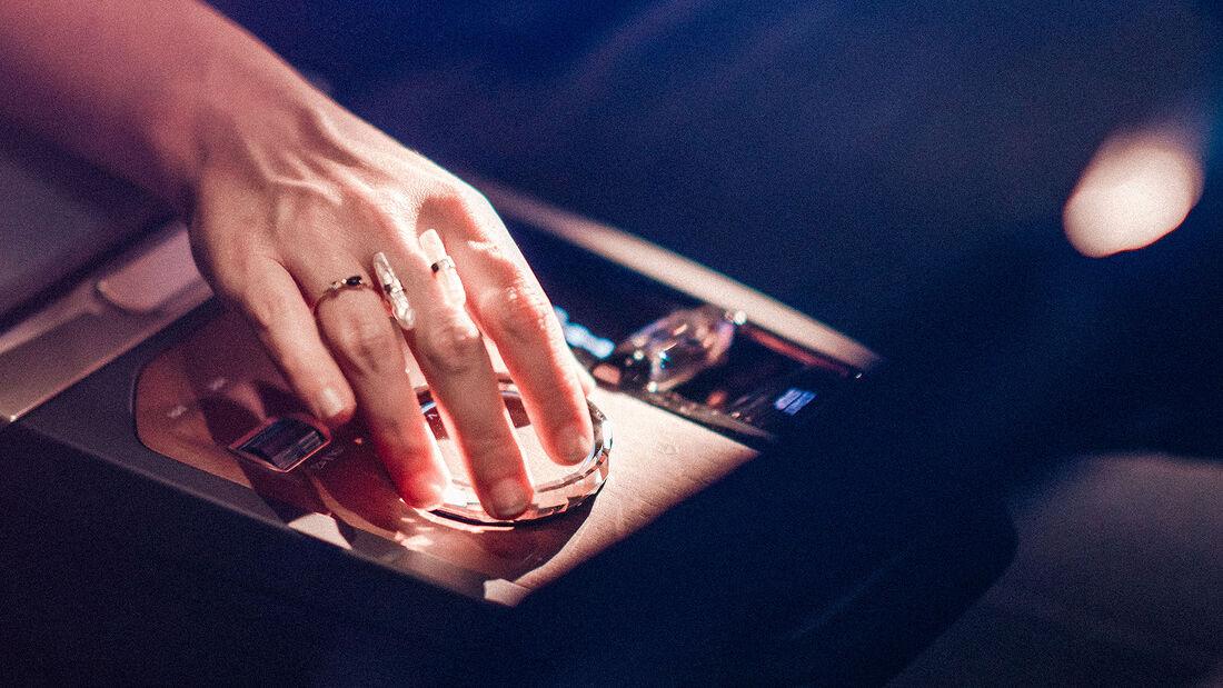 01/2021, BMW iDrive Generation 2021