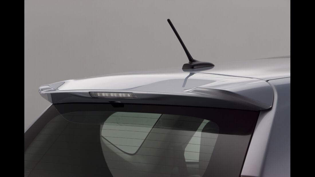 0111, Toyota Prius V, Heckspoiler