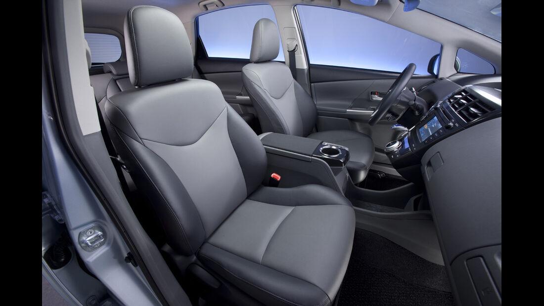 0111, Toyota Prius V, Vordersitze