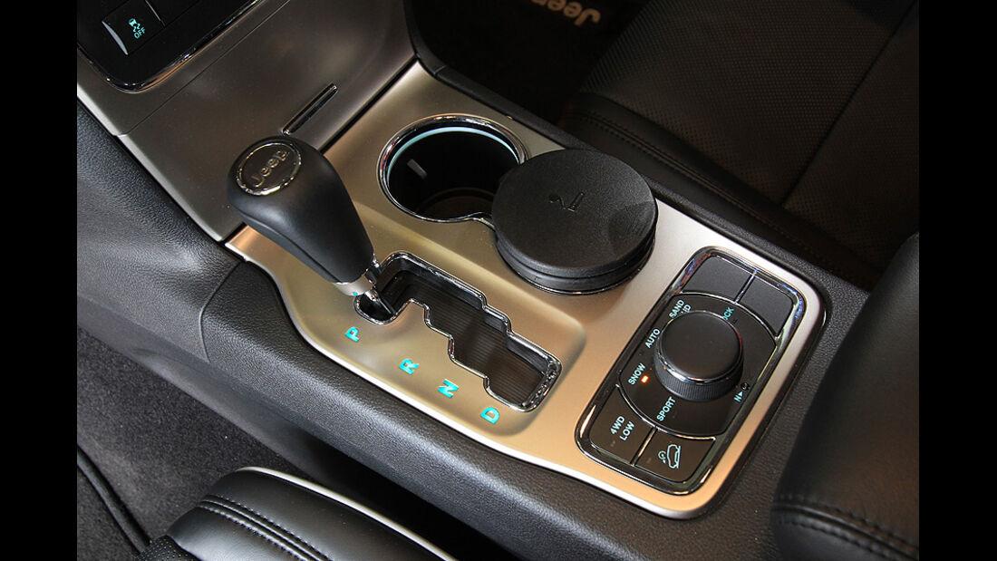 0111, ams 01/2011, Jeep Grand Cherokee 3.6 V6 Overland, Fünfgangautomatik