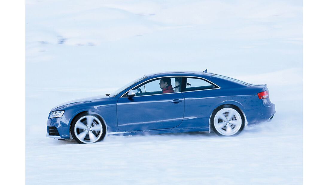 0111, ams 02/2011, Traktionsvergleich, Allradantrieb, Schnee, Audi RS5