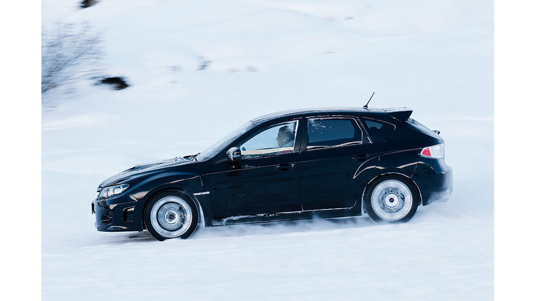0111, ams 02/2011, Traktionsvergleich, Allradantrieb, Schnee, Subaru WRX STI