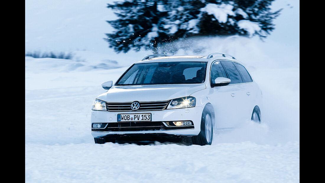 0111, ams 02/2011, Traktionsvergleich, Allradantrieb, Schnee, VW Passat Variant