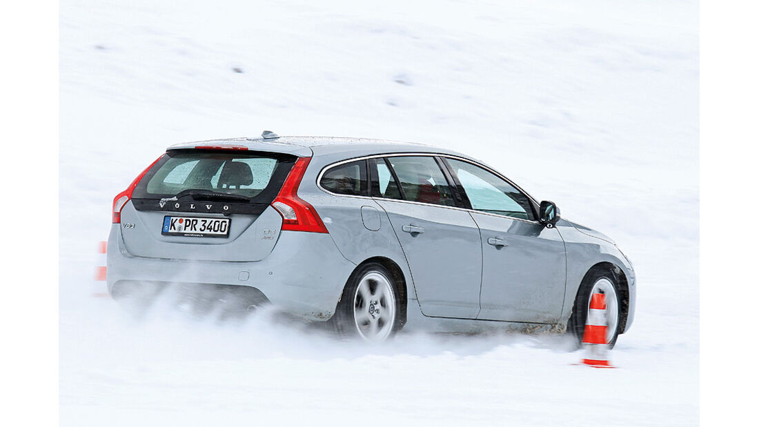 0111, ams 02/2011, Traktionsvergleich, Allradantrieb, Schnee, Volvo V60