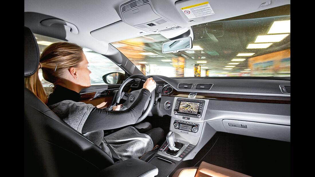 0111, ams 02/2011, VW Passat 1.8 TSI Limousine, Innenraum