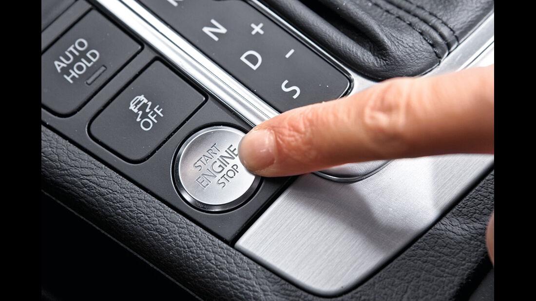 0111, ams 02/2011, VW Passat 1.8 TSI Limousine, Start-Knopf