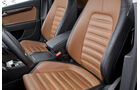0111, ams 02/2011, VW Passat 1.8 TSI Limousine, Vordersitze, Ledersitze