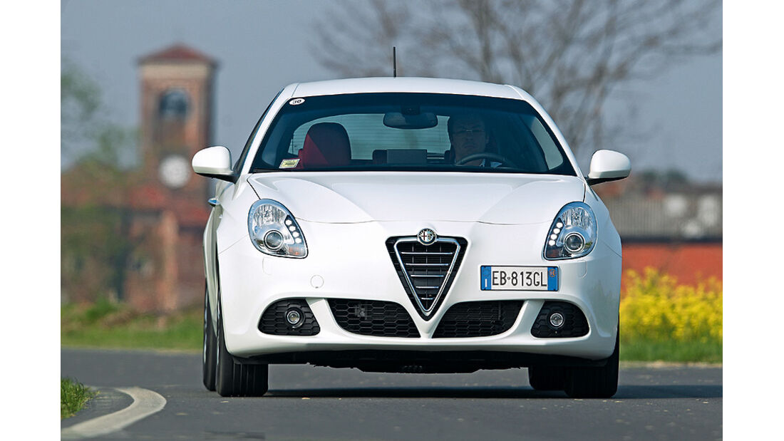 0111, ams 03/2011, Lichttest, Alfa Romeo Giulietta