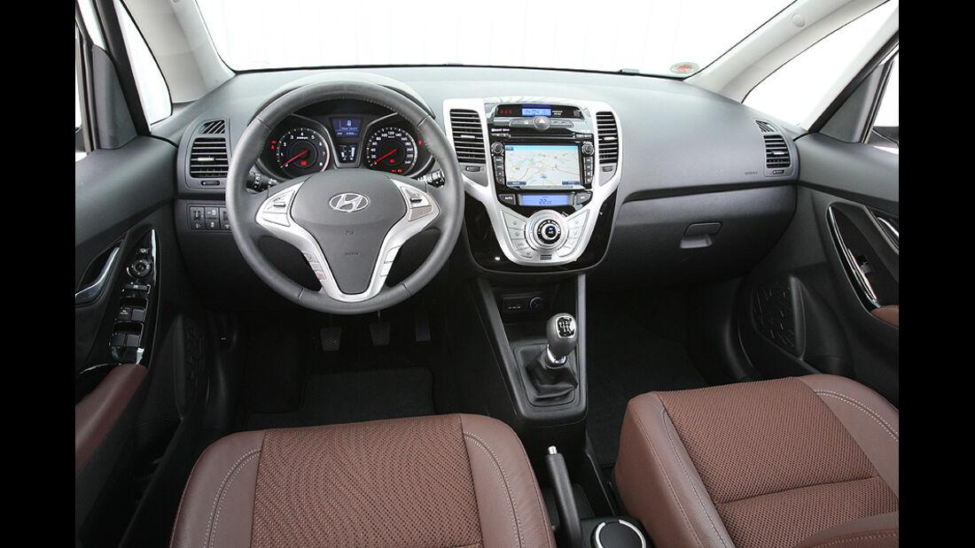 0111, ams 25/2010, Hyundai ix20 Blue 1.6 Comfort, Innenraum