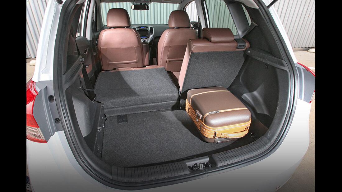 0111, ams 25/2010, Hyundai ix20 Blue 1.6 Comfort, Kofferraum