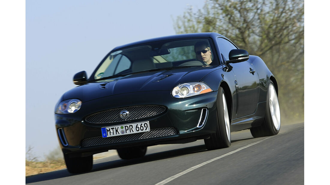 02/11 amospo05/2011, Betriebskosten, Jaguar XKR
