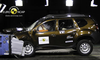 02/2011, EuroNCAP, Crashtest, Dacia Duster, Frontcrash