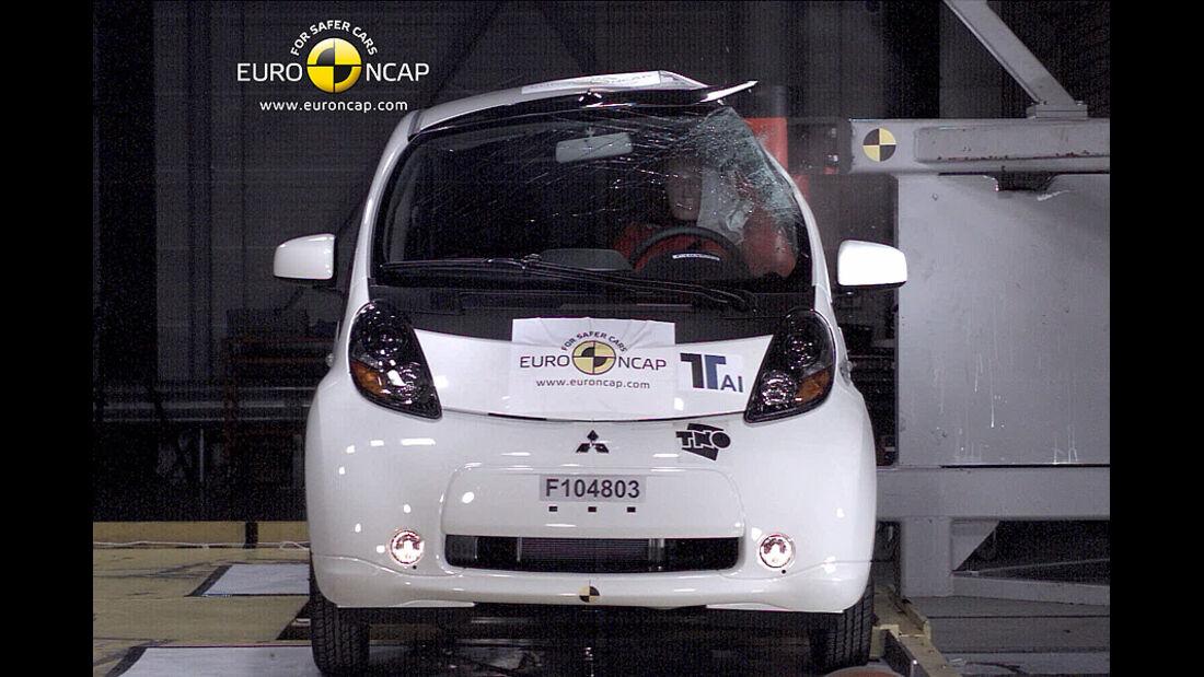 02/2011, EuroNCAP, Crashtest, Ergebnis Mitsubishi i-Miev, Seitencrash
