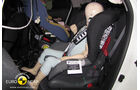 02/2011, EuroNCAP, Crashtest, Nissan Juke, Kindersitzcrashtest