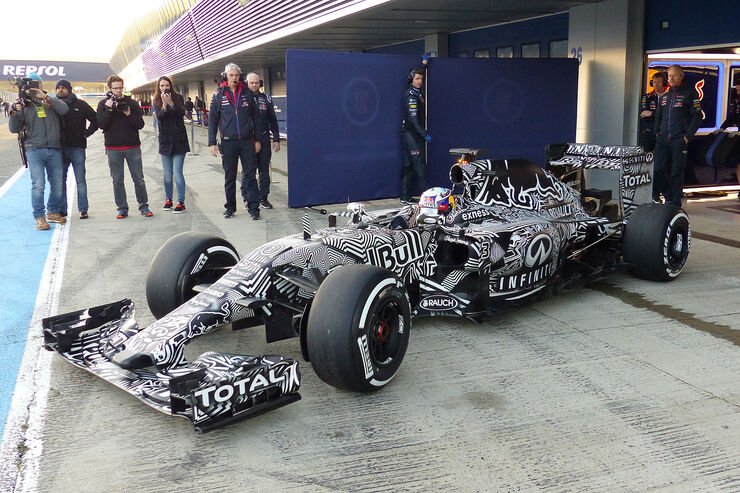 02/2015 Red Bull RB11 Präsentation